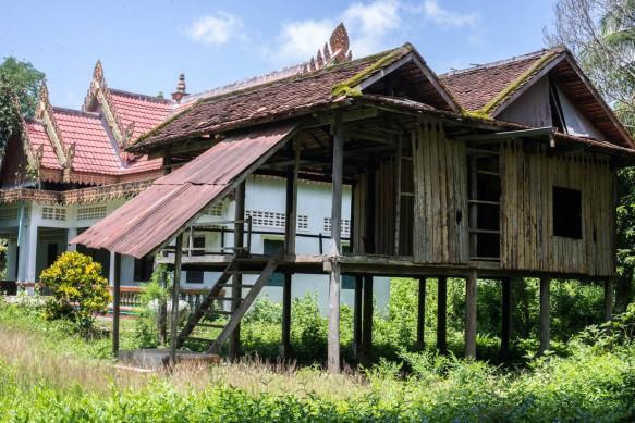 cambodianhousewatekphnom